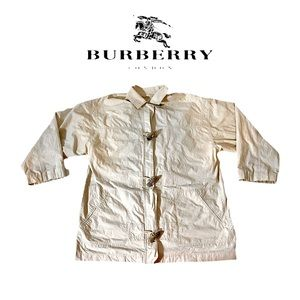 Burberry VTG 3/4 Sleeve Tusk Buttons Jacket